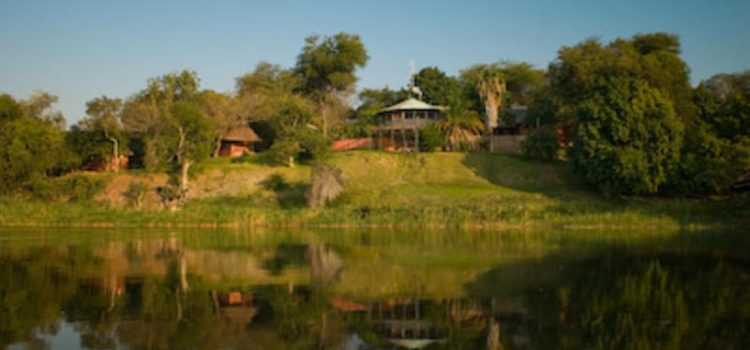 Gwabi River Lodge & Campsite