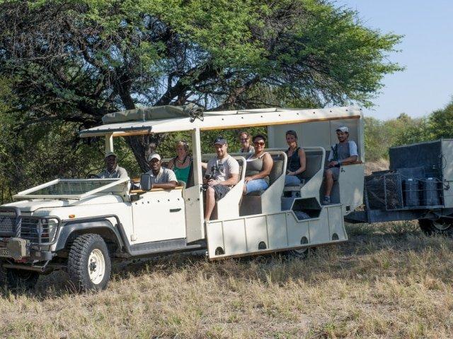 Safari vehicle used for a scheduled safari
