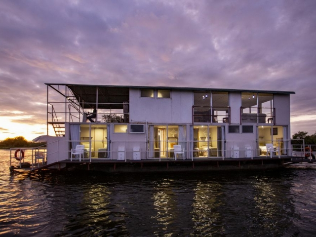 Kabbo Houseboat, Botswana