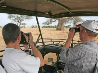 Safari vehicles used for road-based tailor-made safaris